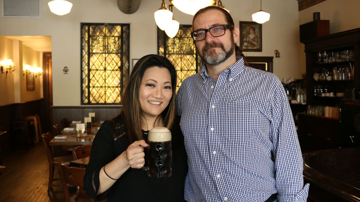 Ji Suk Yi with Christopher Donovan of House of Glunz, Chicago's oldest liquor store | Brian Rich/For the Sun-Times