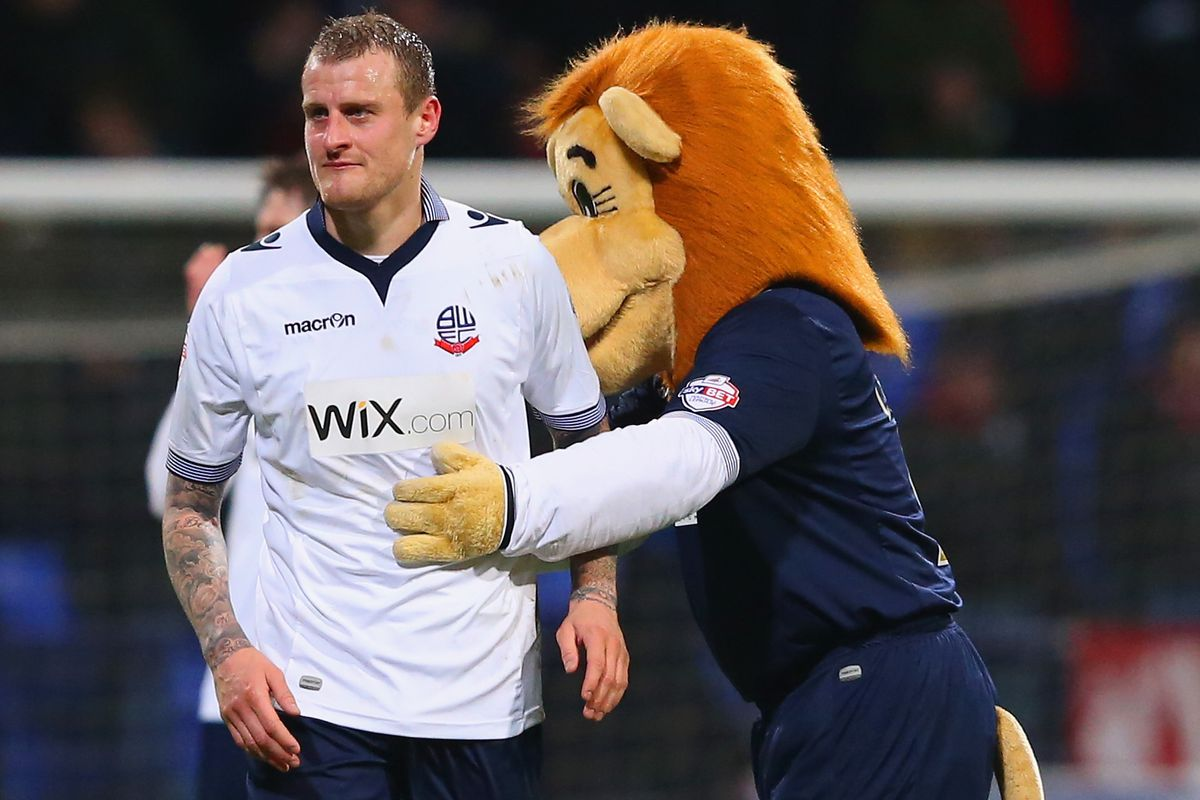 David Wheater could face his former side as Wanderers travel to Middlesbrough this evening