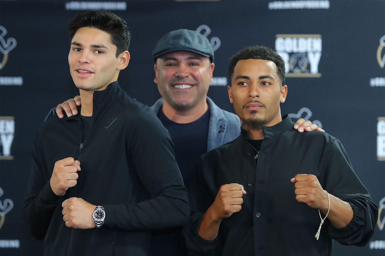 GarciaSParrowLAPC Hoganphotos1.0 - Garcia expects tough test with Sparrow on Sept. 14