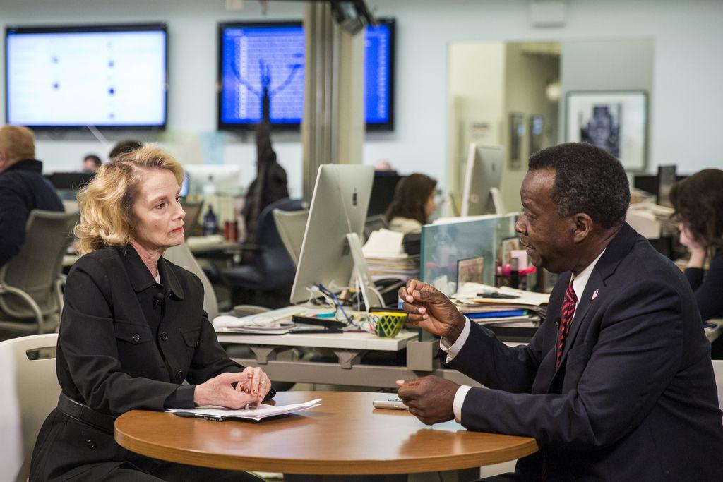 Reporter Fran Spielman interviews Chicago mayoral candidate Willie Wilson in the Sun-Times newsroom, Friday morning, Nov. 9, 2018.   Ashlee Rezin/Sun-Times