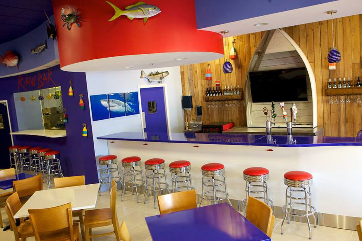 Restaurant Decor Nautical : Nautical themed off the hook seafood restaurant opens