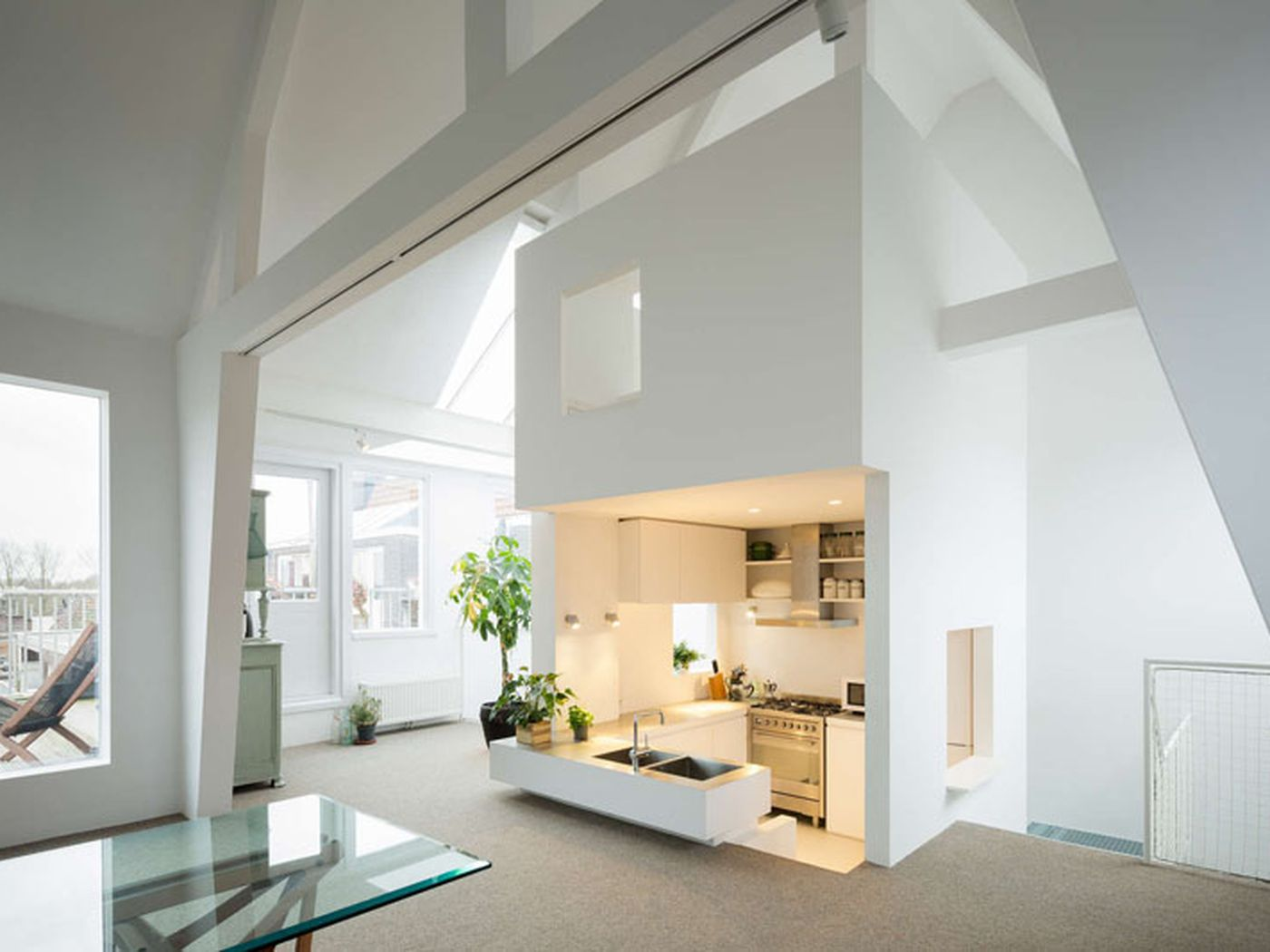 Revamp Transforms Apartment Into Airy Loft With a Cool Sunken ...