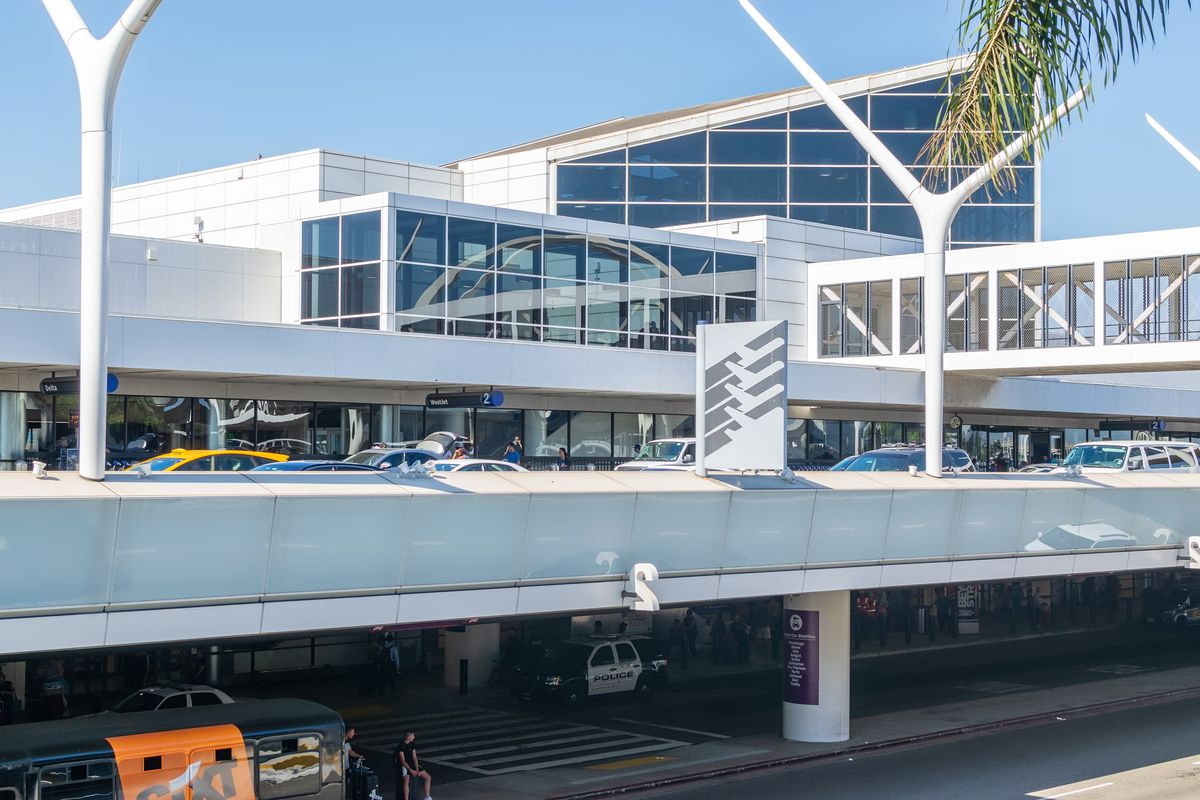 A photo of cars jammed up on upper levels of the airport.