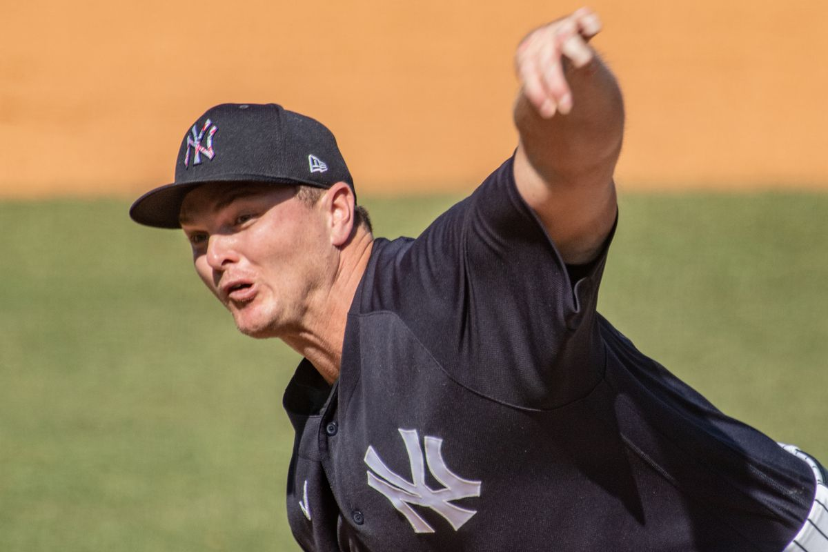 New York Yankees' relief pitcher Justin Wilson throwing against the Pittsburgh Pirates in Tampa