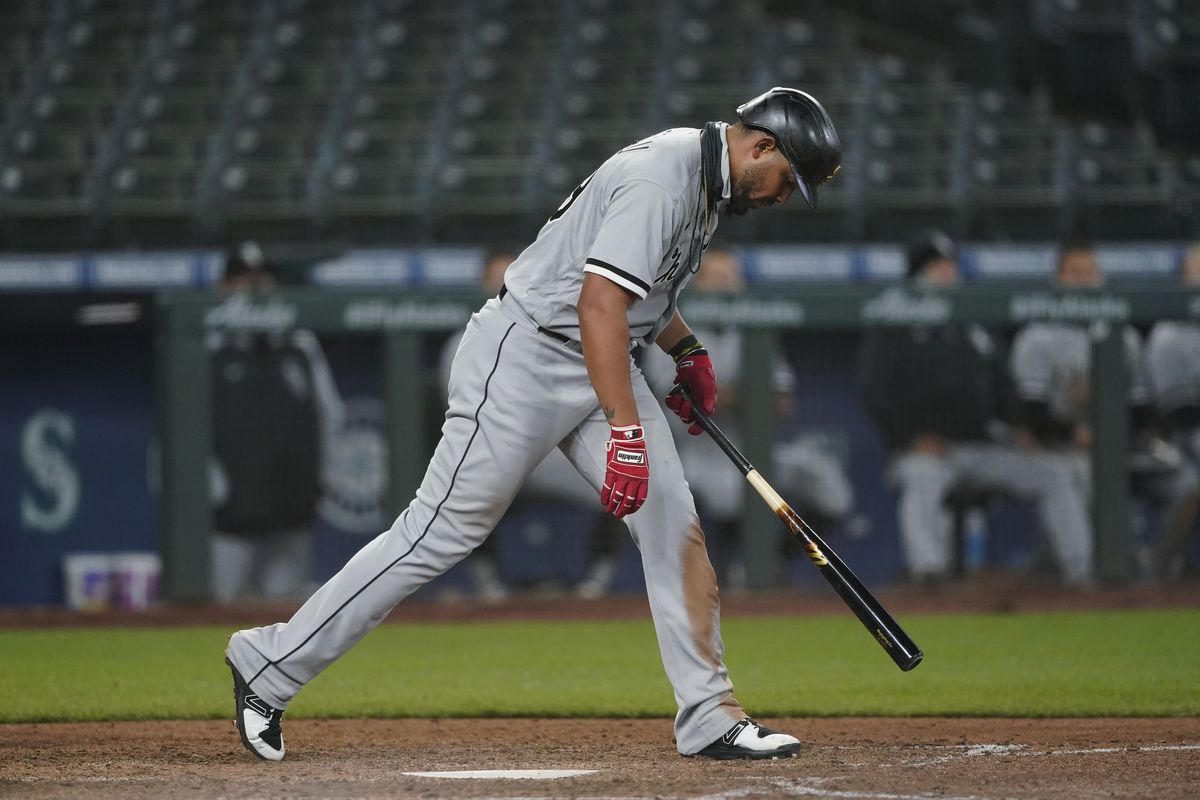 Jose Abreu reacts after striking out against the Mariners on April 7.