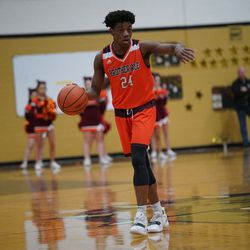Brother Rice's Marquise Kennedy (24) guides the offense against Richards, Tuesday 02-19-19. Worsom Robinson/For the Sun-Times.