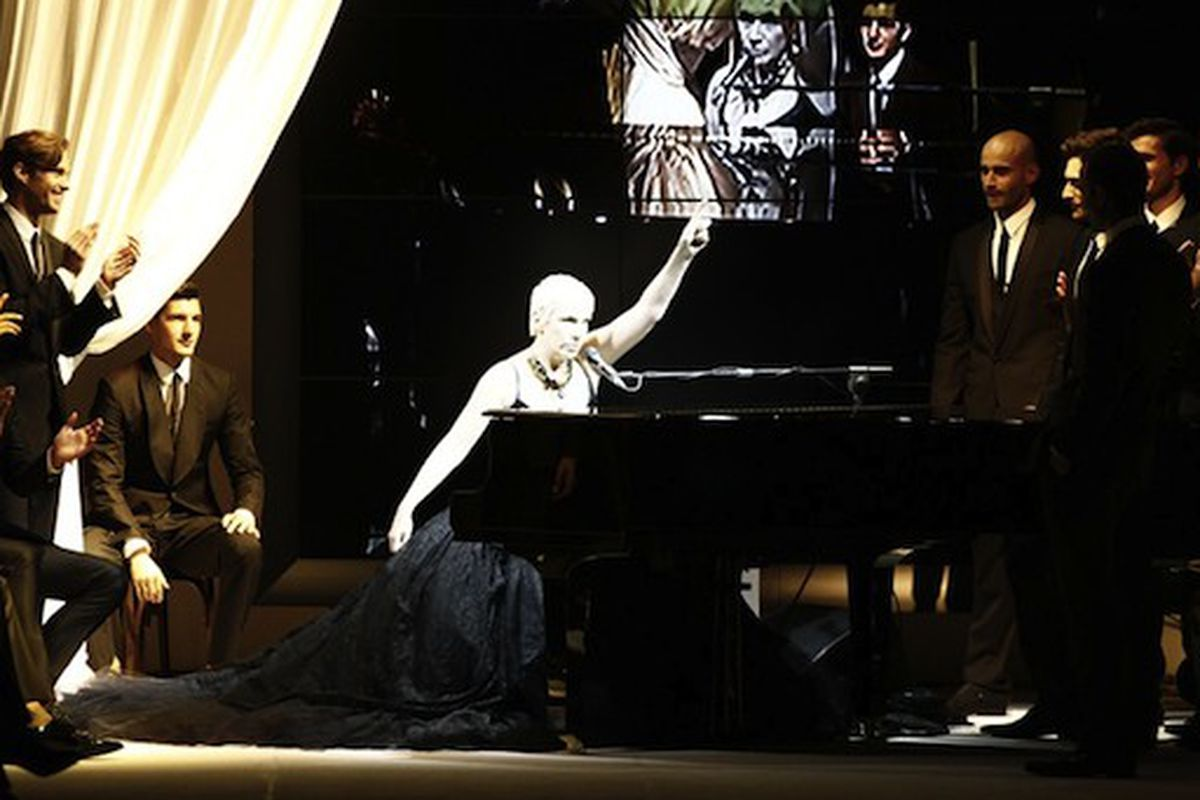 """Annie Lennox performs at the Dolce &amp; Gabbana men's spring 2011 show, via <a href=""""http://www.wwd.com/eyescoop/eye/ultimate-playlist-sounds-from-mens-collections-3159870#/slideshow/article/3159870/3159948"""">WWD</a>"""