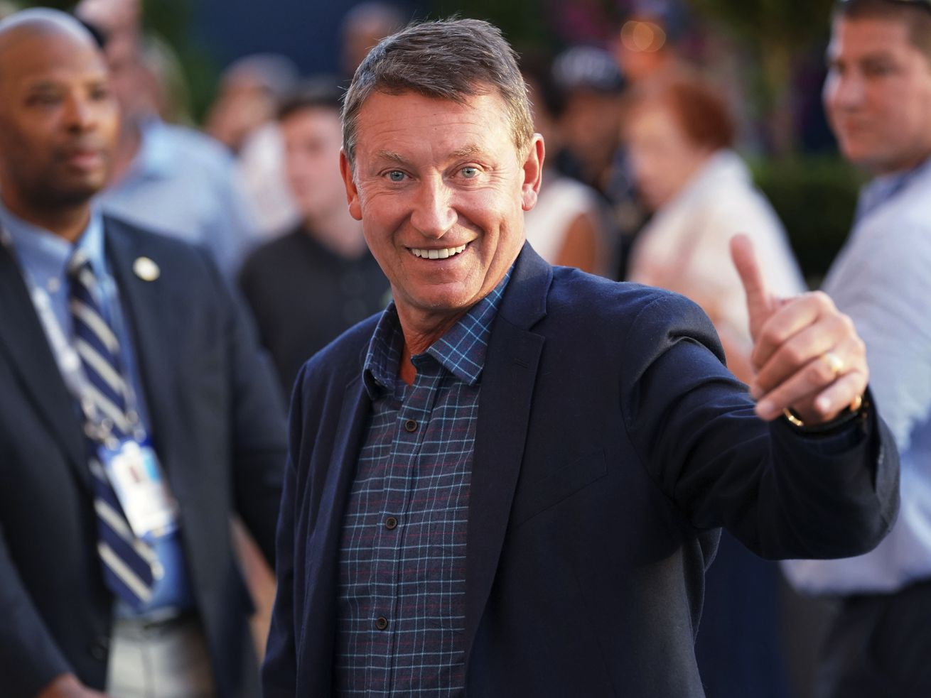Turner Sports has reached a multi-year agreement with Wayne Gretzky to be a studio analyst when its coverage of the National Hockey League begins in October.