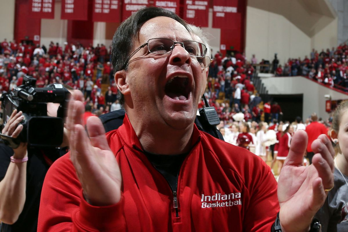 Later, Tom Crean threatened to blow up the moon unless he was paid a ransom of one... MILLION dollars.