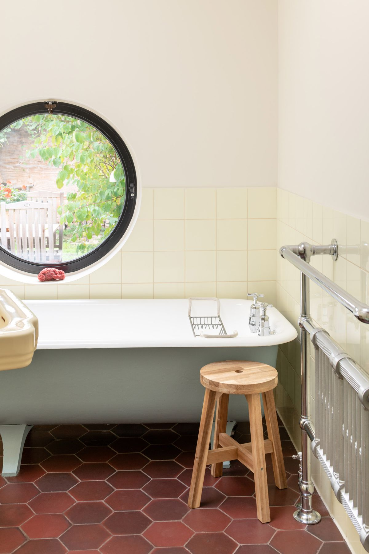 Bathroom with pale yellow tiles
