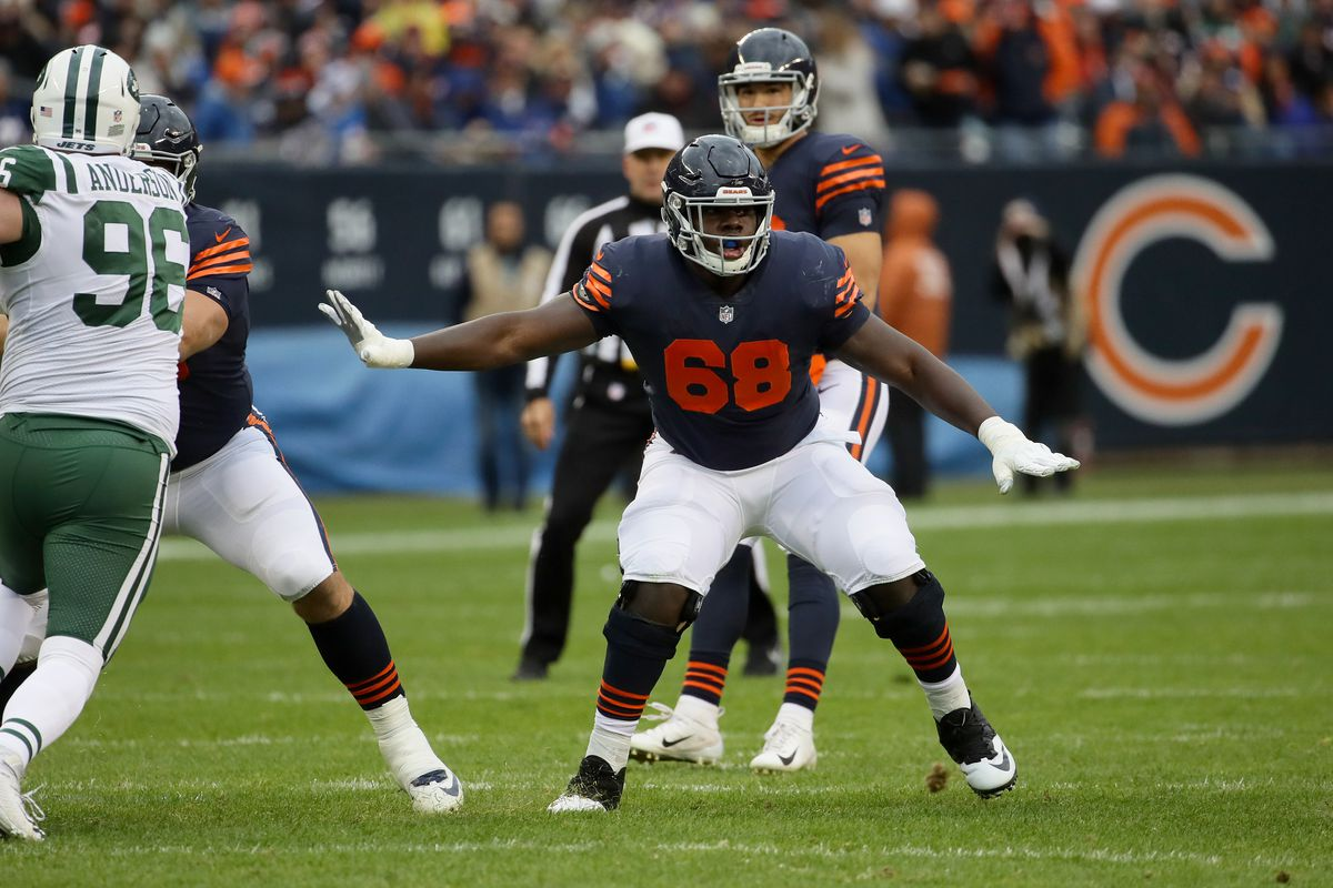 James Daniels looks to block for Bears quarterback Mitch Trubisky in the first quarter Oct. 28 against the New York Jets at Soldier Field.
