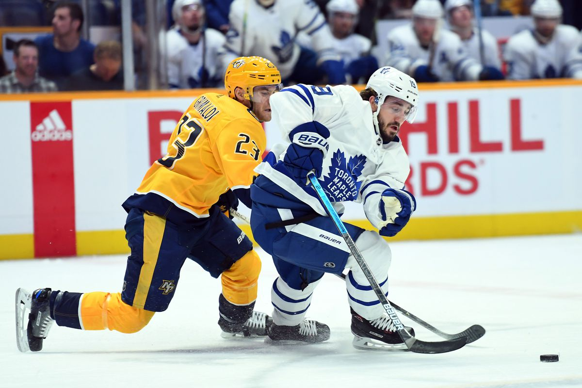 Maple Leafs extend Nic Petan for two years