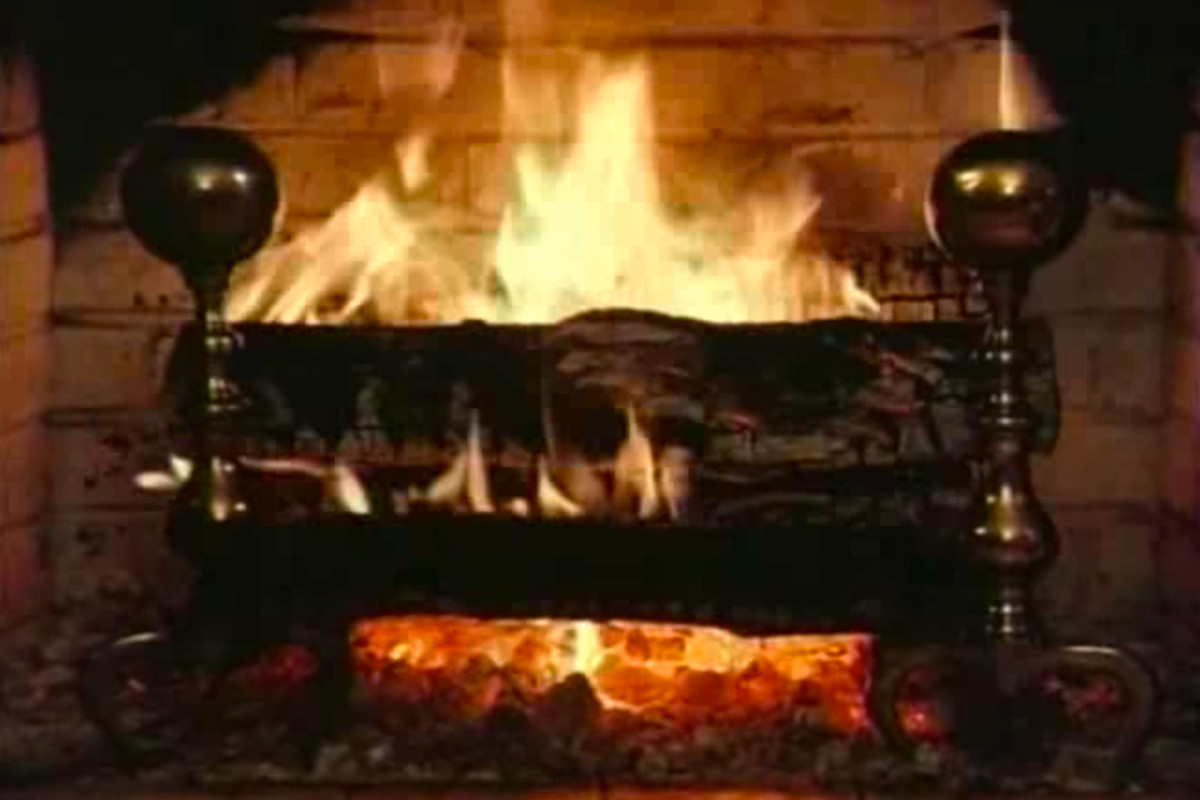 watch the original 1966 yule log tv broadcast tonight at 11pm et