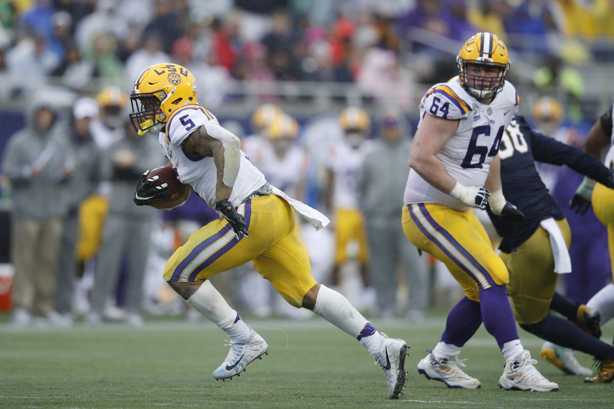 Washington Redskins Select RB Derrius Guice In the Second Round of the 2018  NFL Draft d775e11a2