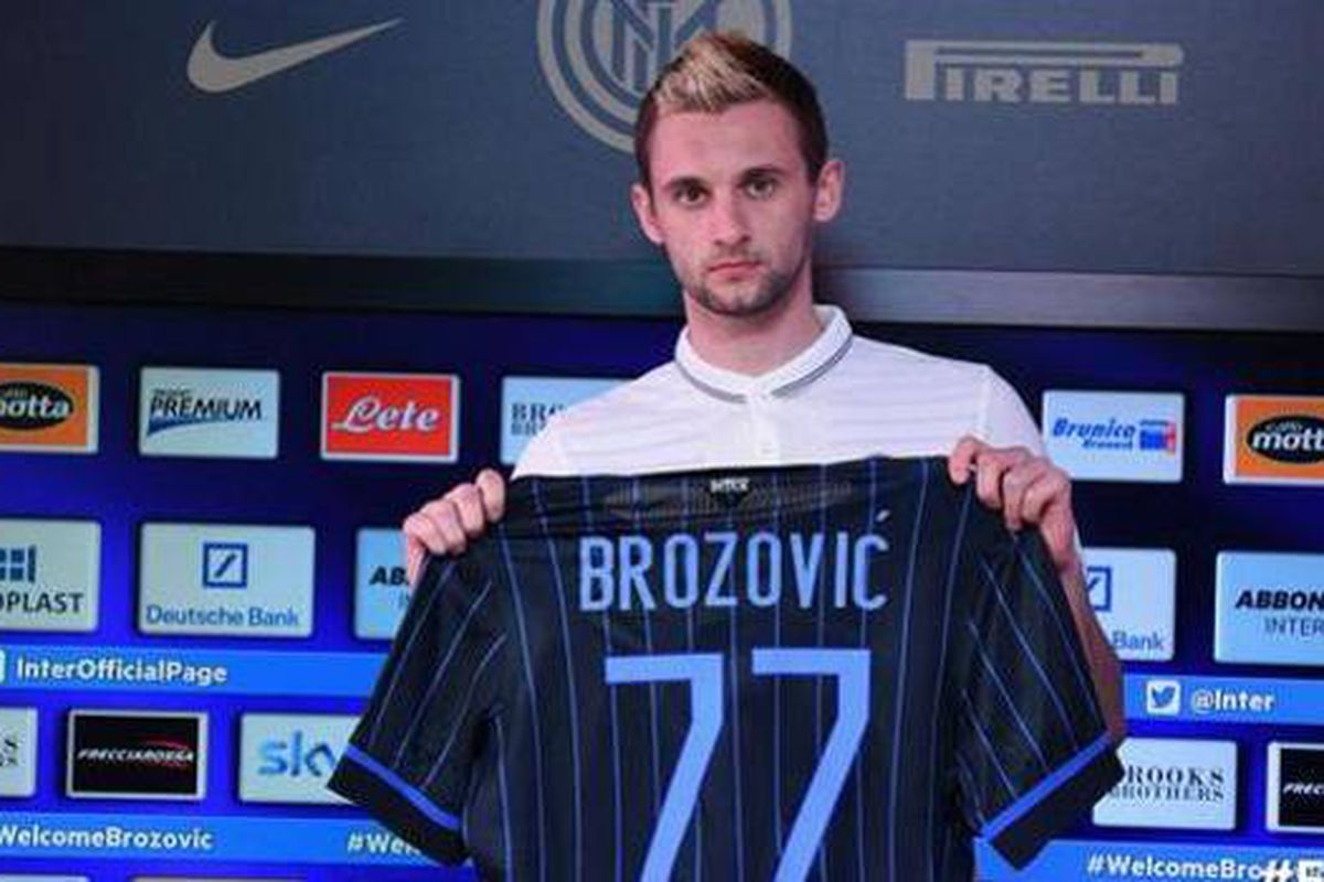 New Inter Milan player Marcelo Brozovic poses for the photographers