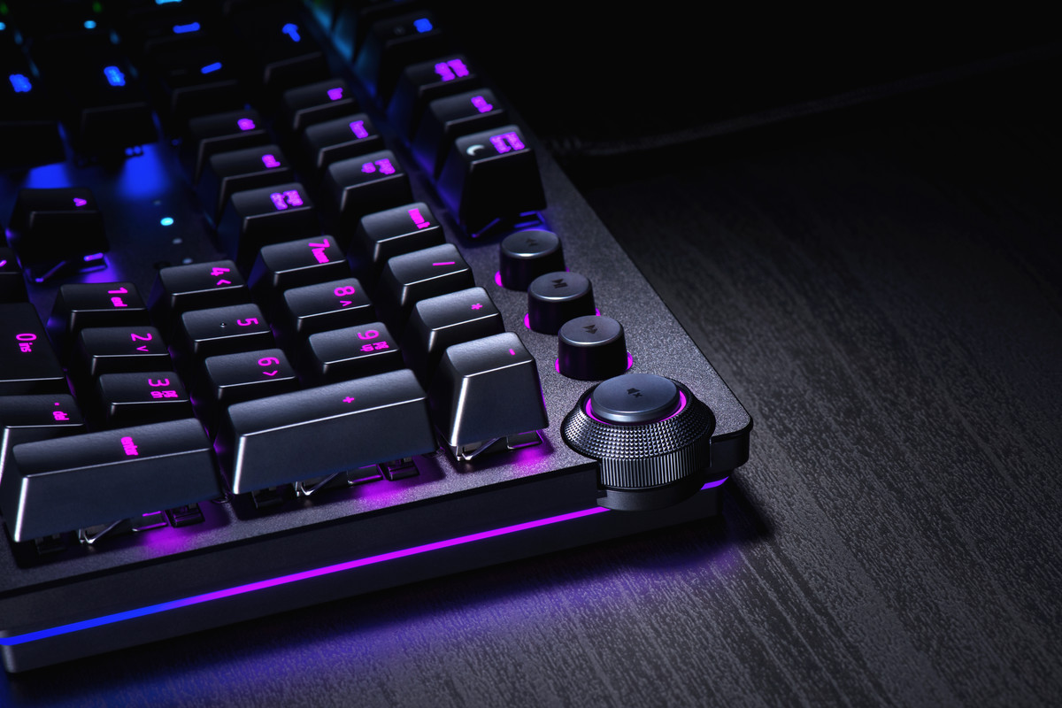 3133fdde9c0 Razer revamps its mechanical keyboards with the Huntsman's new optical  switches