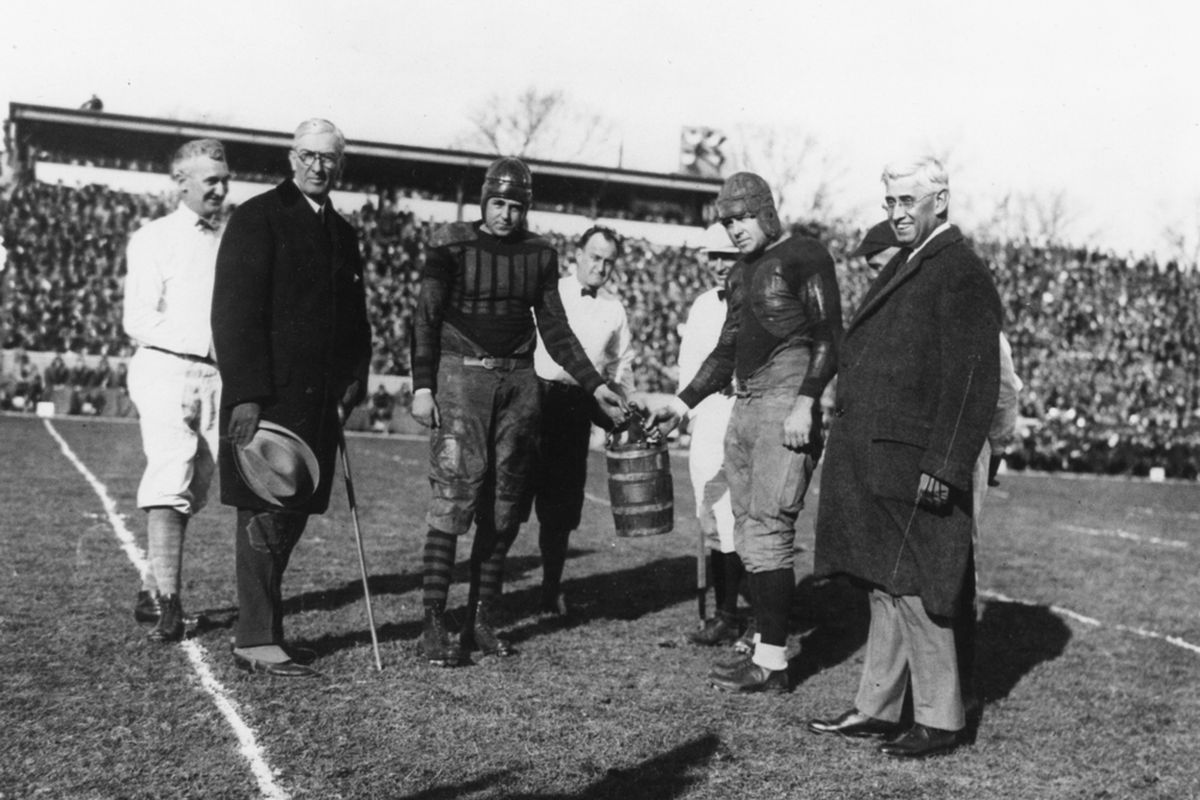 """Old Oaken Bucket in 1925. Courtesy of <a href=""""http://www.libraries.iub.edu/index.php?pageId=93"""" target=""""new"""">Indiana University Archives</a>."""