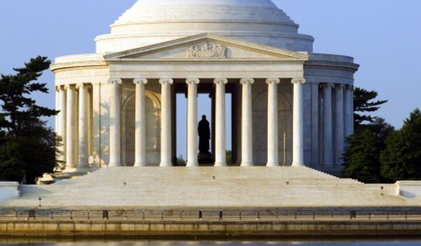 Designed By Architect John Rus Pope The Thomas Jefferson Memorial Features Circular Marble Steps A Portico Colonnade Of Ionic Order
