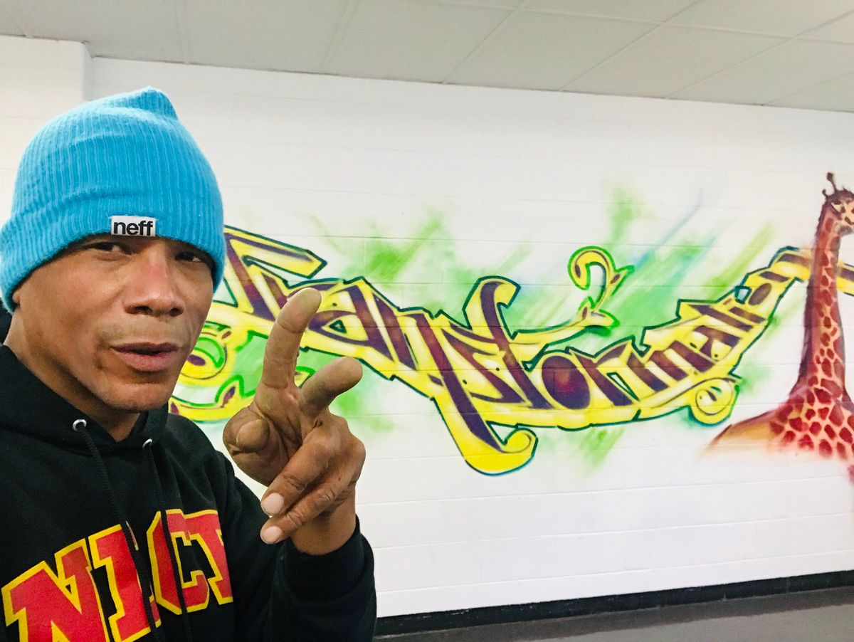 Artist Lavie Raven says he was inspired to use the Maori language in his mural after spending a few months in New Zealand as an educator.