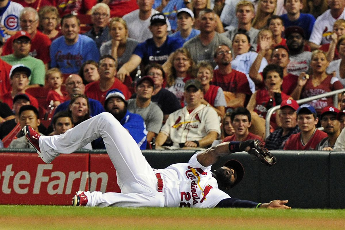 Jason Heyward makes a gold-glove play in the first inning against the Cubs