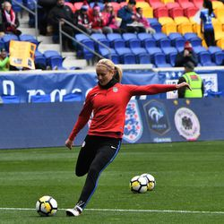 Lindsey Horan warming up before the match vs. France.