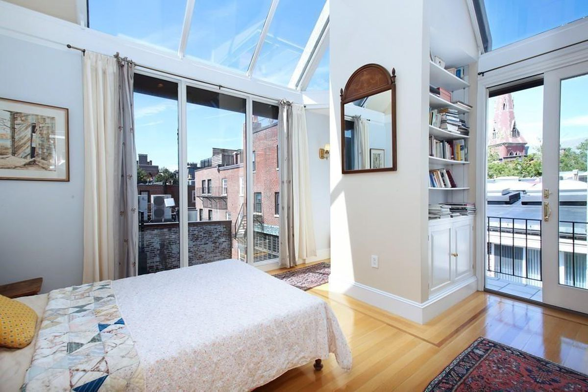 Beacon Hill carriage house and its six-car motor court so much closer  within reach [Curbed Boston]