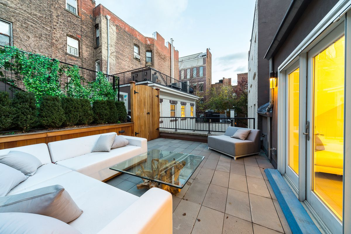 How to create an outdoor oasis in a small NYC apartment ...
