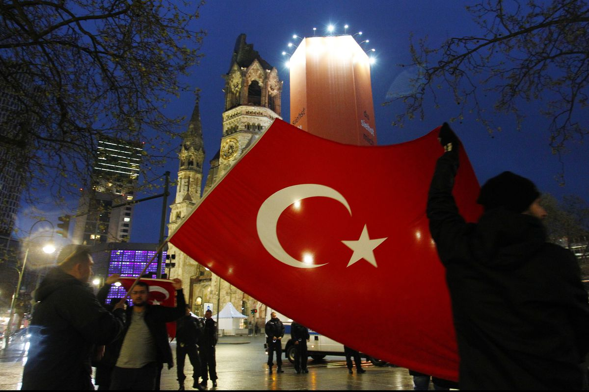 Expatriate Turks React To Referendum Result