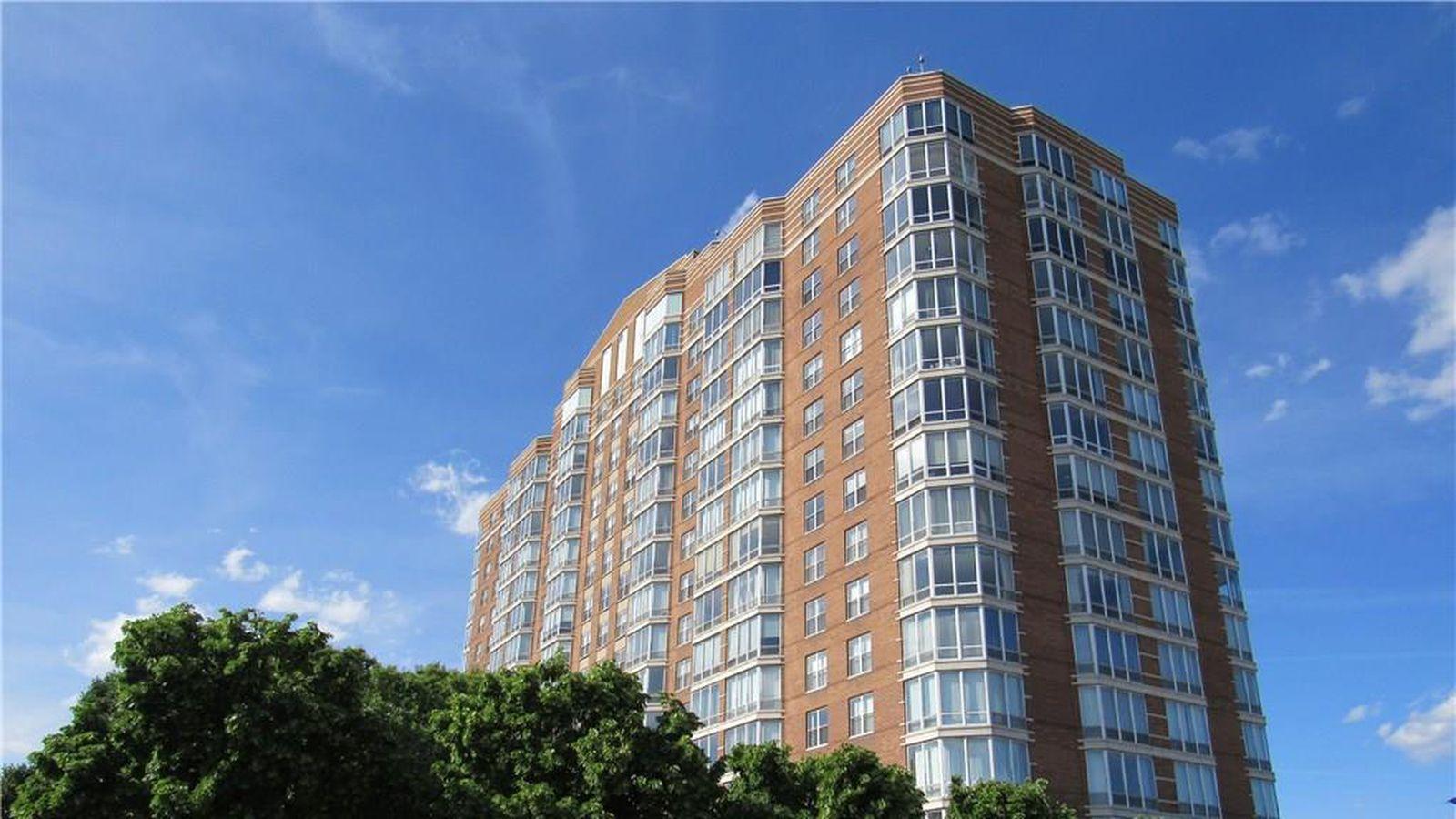 13th floor harbortown condo asks 2 500 a month curbed for 13th floor philadelphia