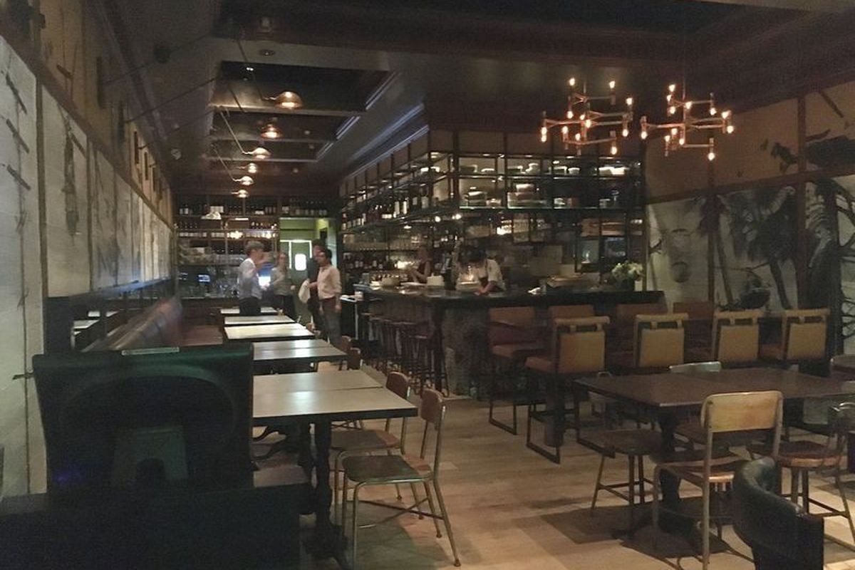 This Week Jonathan Gold Heads Downtown To Give His Take On Little Sister Tin Vuong S Second Outlet Of Por Manhattan Beach Eatery But With All Day