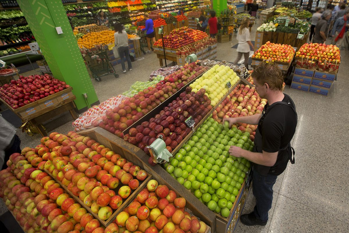 The freshness war thats dividing the juice industry racked whole foods carries hpp juice but some stores also have on site juice bars photo getty images malvernweather Image collections