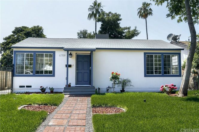 White house with blue trim