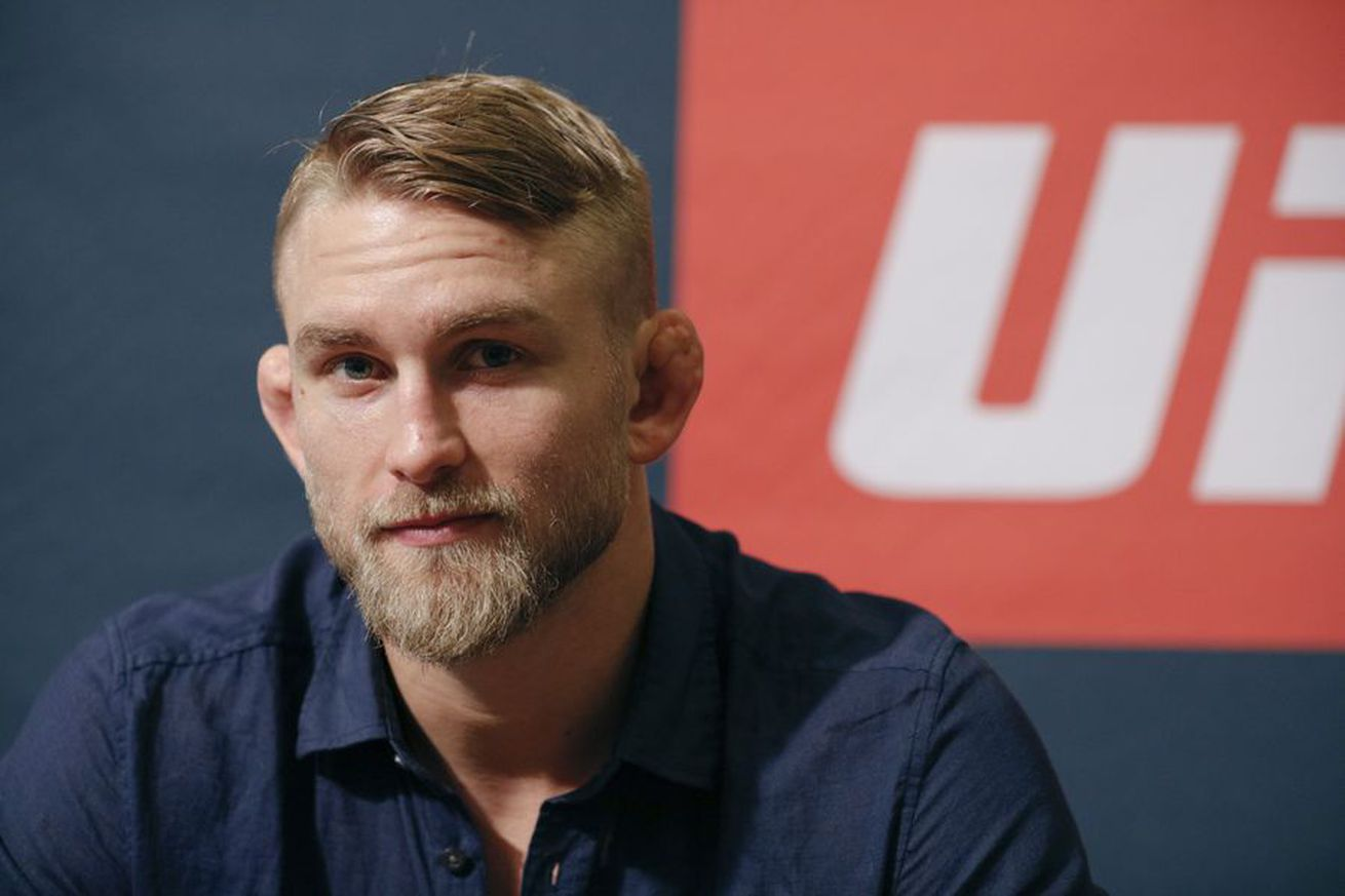 community news, Alexander Gustafsson on possibility of Jimi Manuwa getting title shot before him: 'If Jimi gets it, I'm happy for him'
