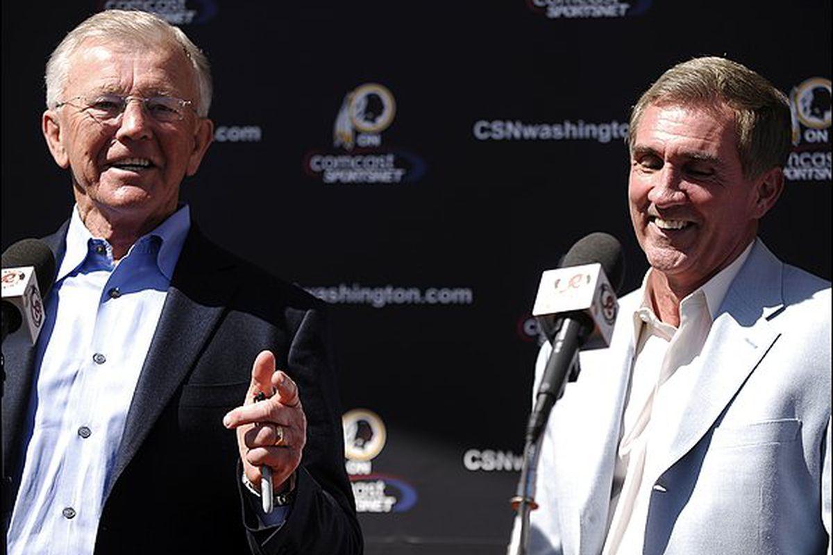 "Shanahan and the Redskins thought Gibbs' idea was a great one. via <a href=""http://3.bp.blogspot.com/_t9D_ovmGhQE/S6rWDAr-I5I/AAAAAAAAsm4/QWTSIubA1T4/s1600/Joe+Gibbs+Mike+Shanahan.jpg"">blogspot.com</a>"