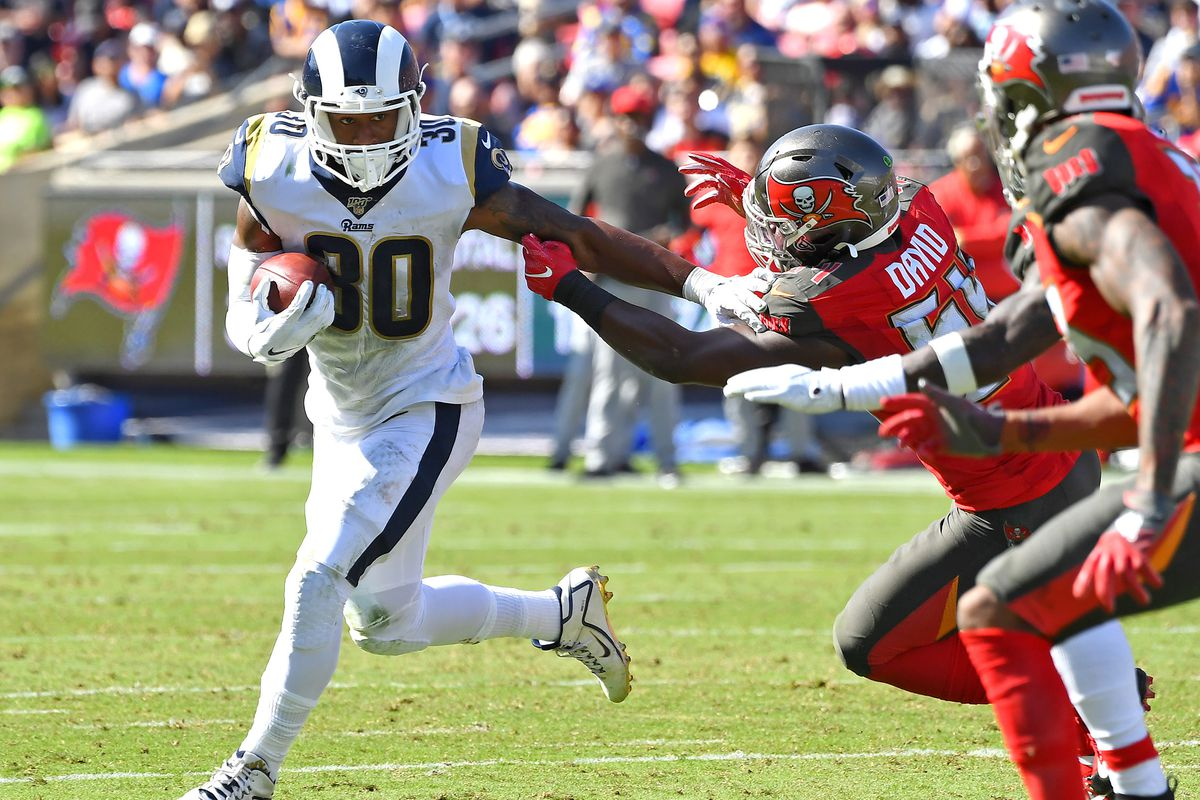 Fantasy Football Start Sit Advice Week 5 What To Do With Todd Gurley On Thursday Night Football Draftkings Nation