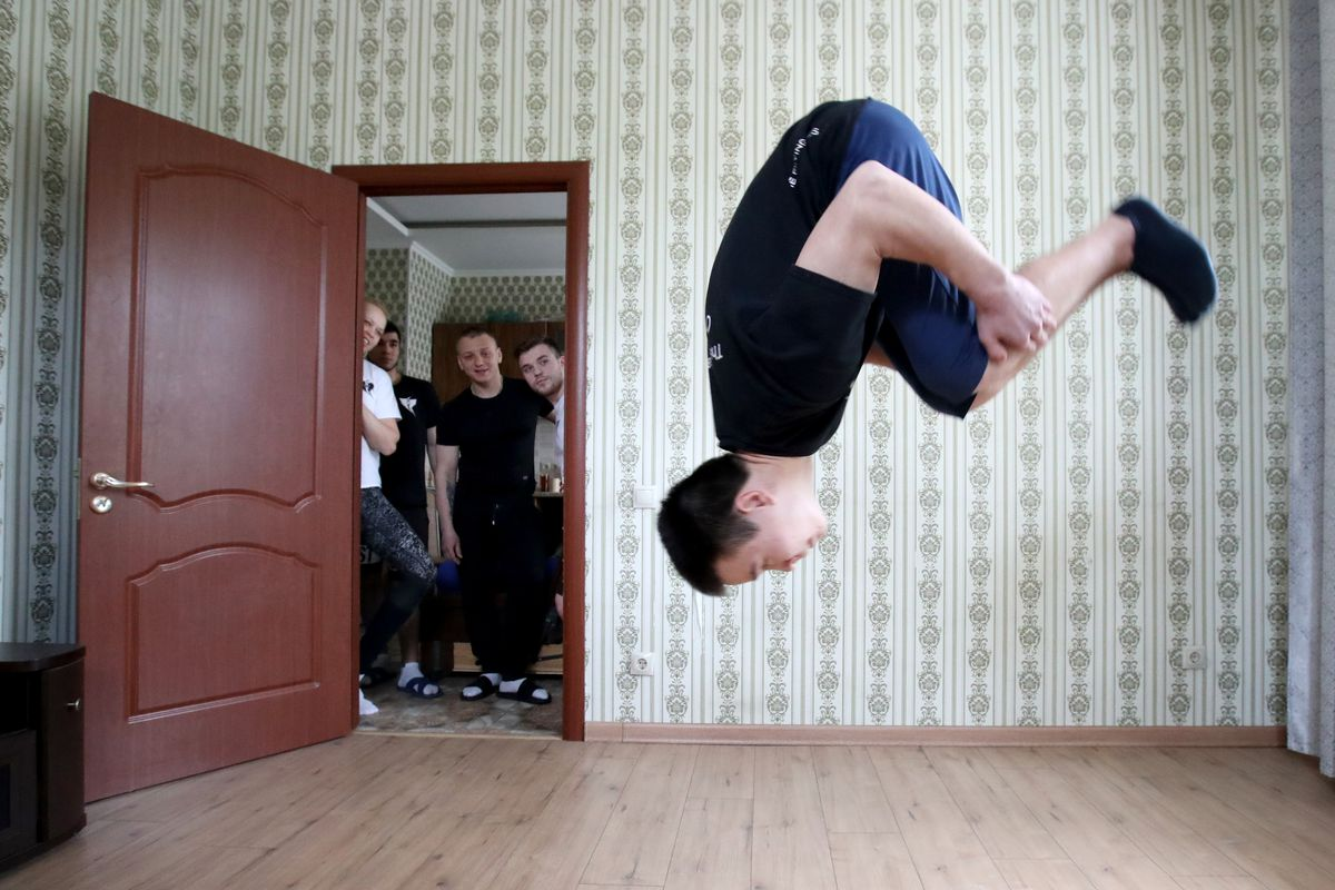 Circus aerial gymnasts rehearse at home amid COVID-19 pandemic