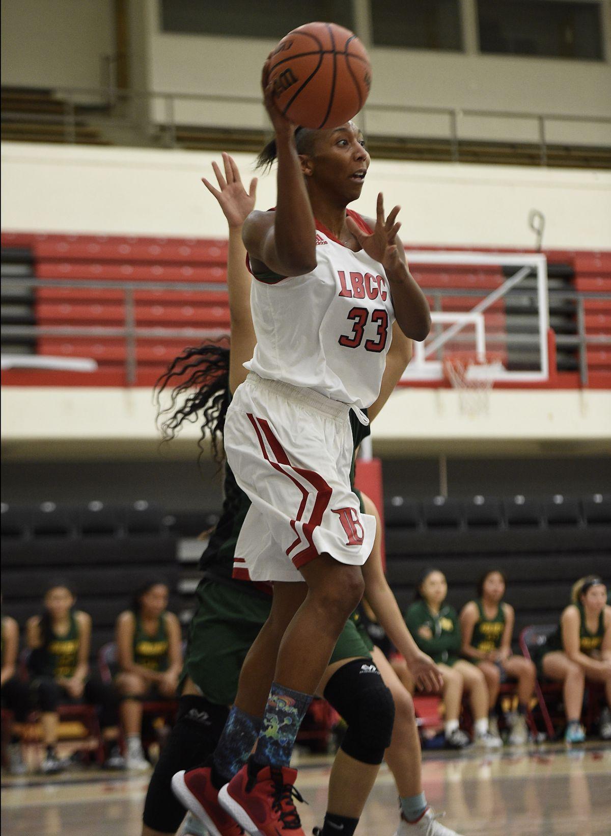 Navi Huskey on the basketball court.