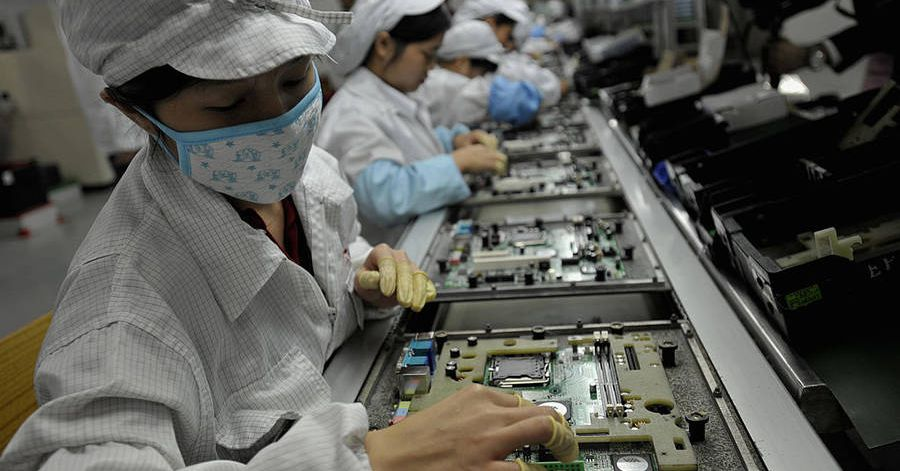 photo image Foxconn's profits see largest drop since recession as iPhone X production stalls