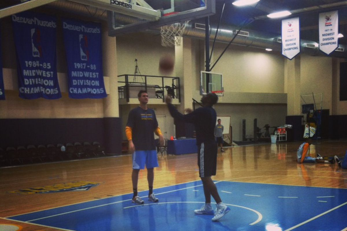 Danilo Gallinari does light shooting at Nuggets practice