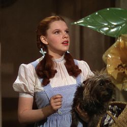 """Dorothy (Judy Garland) and Toto in """"The Wizard of Oz."""""""