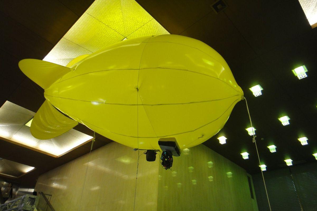 """via <a href=""""http://www.diginfo.tv/assets/12-0020-pics/10.jpg"""">www.diginfo.tv</a>"""