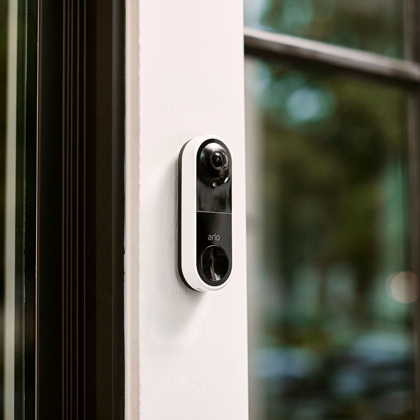 theverge.com - Thomas Ricker - Arlo's Video Doorbell shows both faces and packages