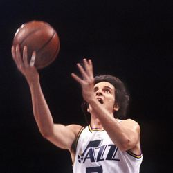 Pete Maravich plays with the New Orleans Jazz in the 1977 season.