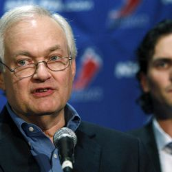 NHL Players' Association executive director Donald Fehr, center, is joined by Winnipeg Jets' Ron Hainsey as he speaks to reporters, Wednesday, Sept. 12, 2012, in New York. The NHL and the players' association swapped proposals Wednesday in an effort to head off a lockout scheduled to start this weekend.