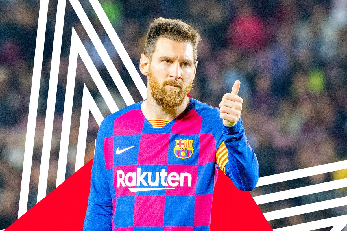 Lionel Messi gives a thumbs up