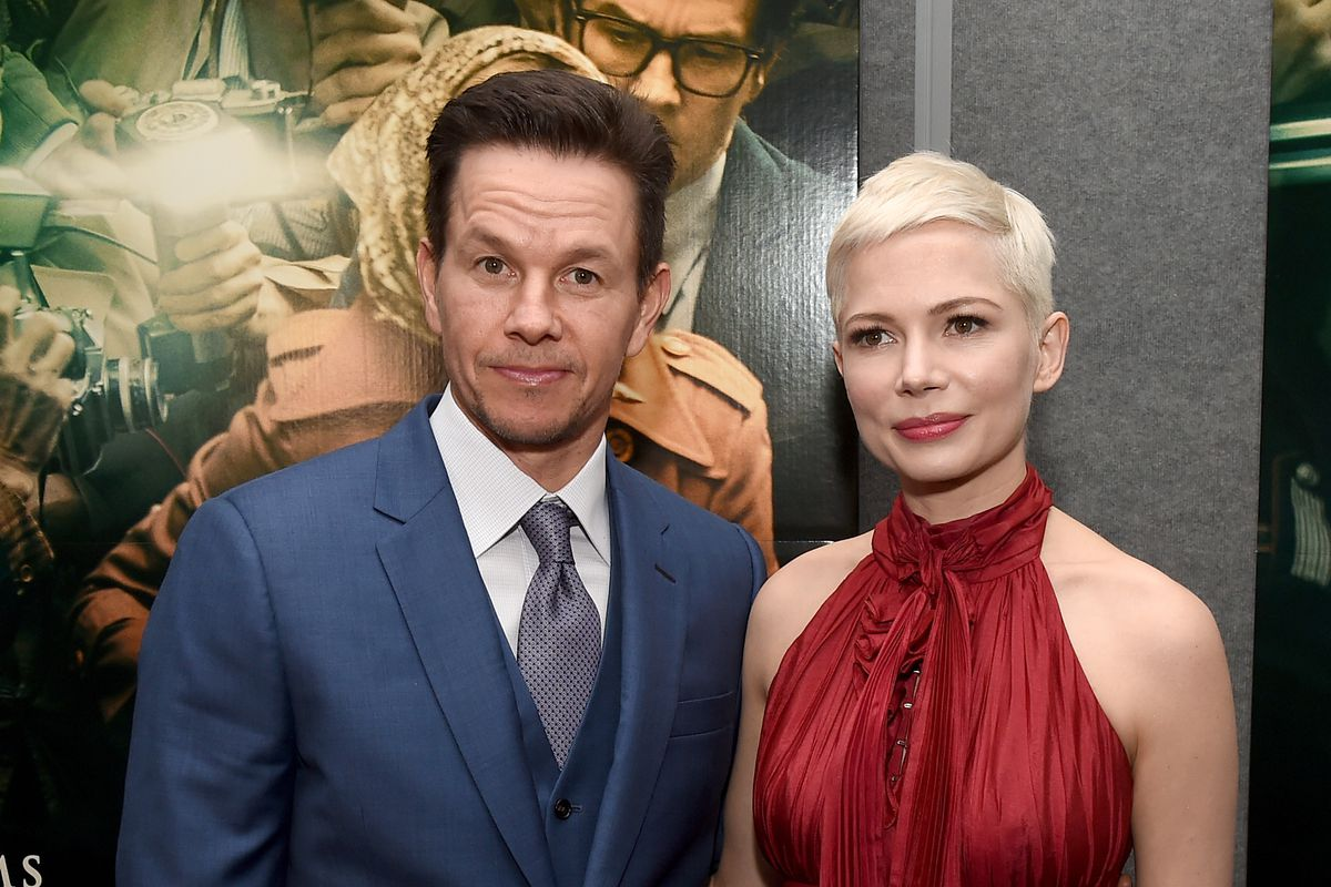 Resultado de imagem para all the money in the world mark wahlberg and michelle williams