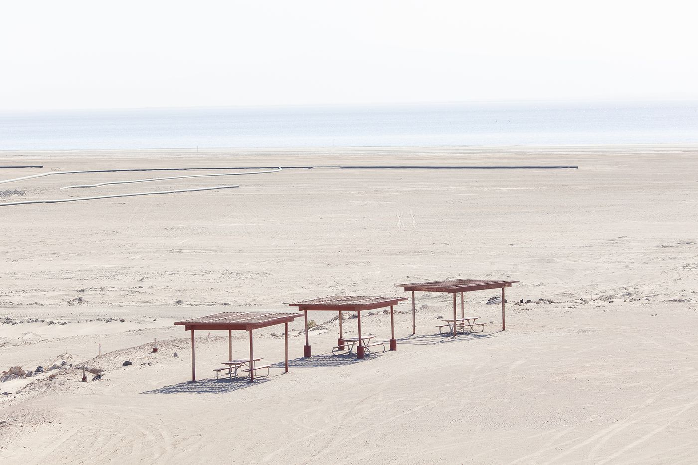 As California's largest lake dries up, it threatens nearby