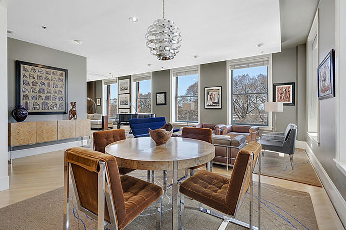 South Loop Condo With Views Of Lake Michigan And Grant Park Seeks 715k Curbed Chicago