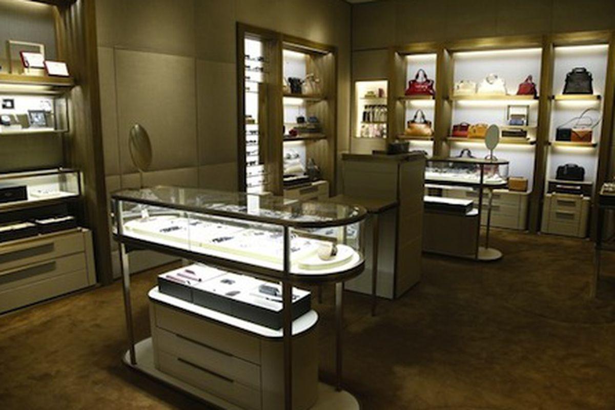 "Inside the 59th Street boutique; Image via <a href=""http://www.wwd.com/accessories-news/jewelry/cartier-adds-new-lines-opens-manhattan-unit-7630161%22"">WWD</a>"