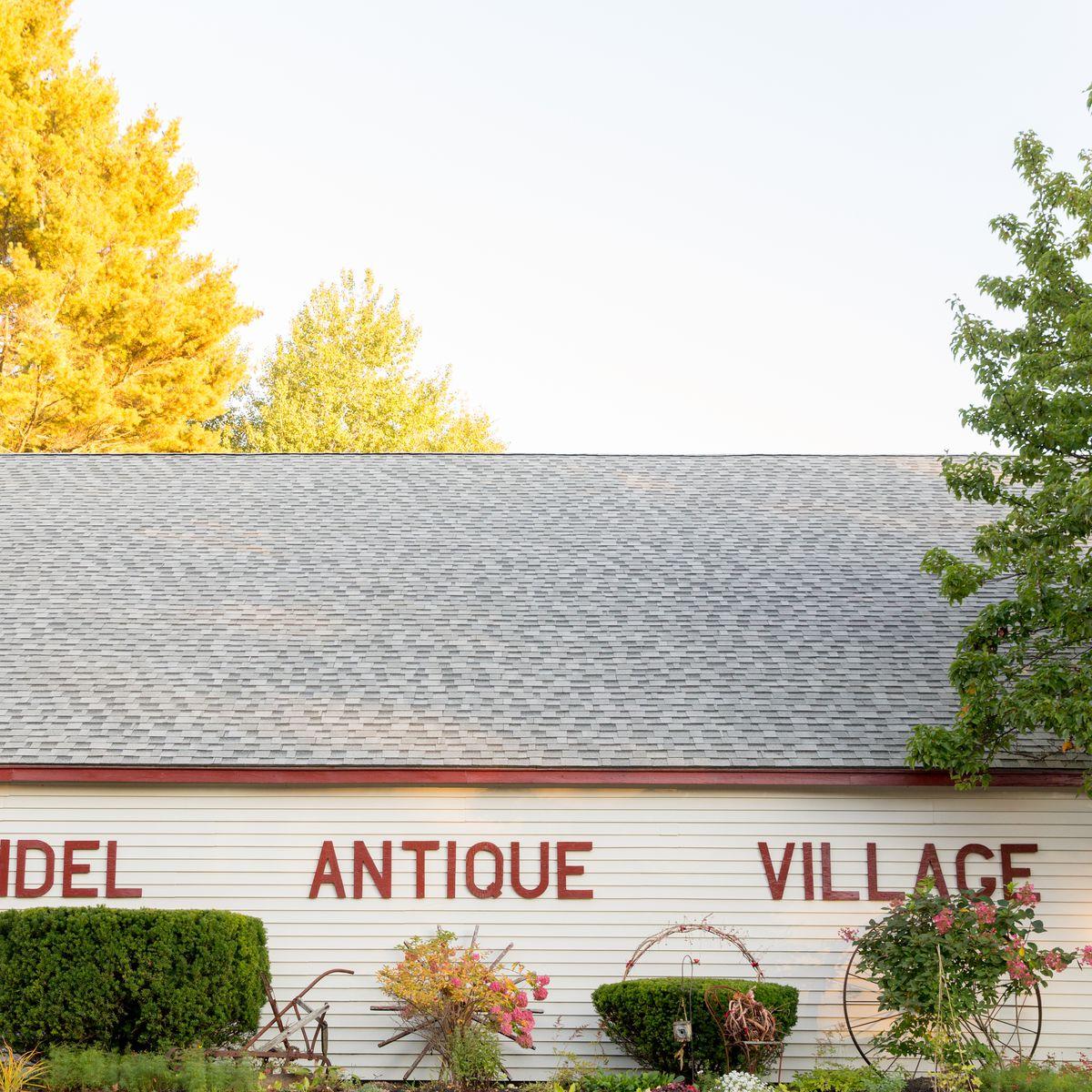 Arundel Antique Village